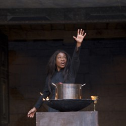 karen-bryson-witch-globe-theatre-london-shakespeare-macbeth